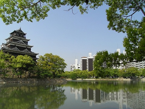 新緑の広島城